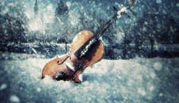 violin-and-snow